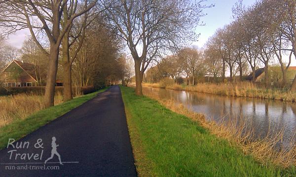 Вдоль каналов в Голландии тоже бегается хорошо