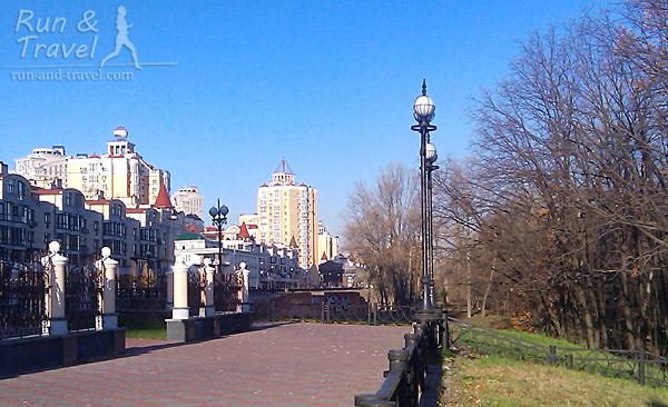 Оболонская набережная ближе к Московскому мосту