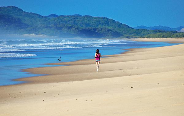 Пробежка по пляжу в Санта Лючии