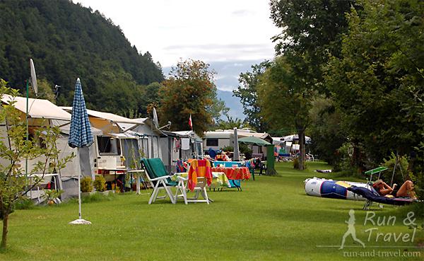 Кемпинг на озере Вольфгангзее в Австрии