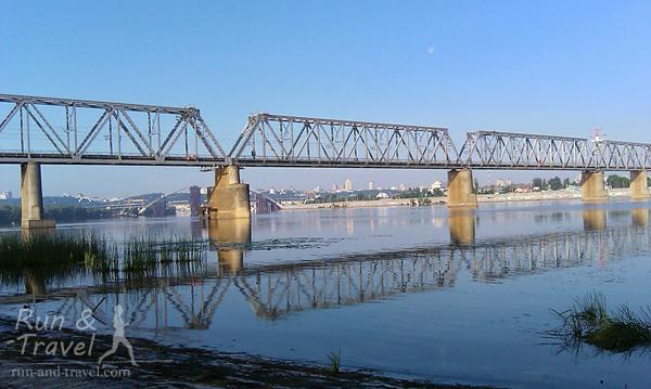 Вид с острова на Железнодорожный мост
