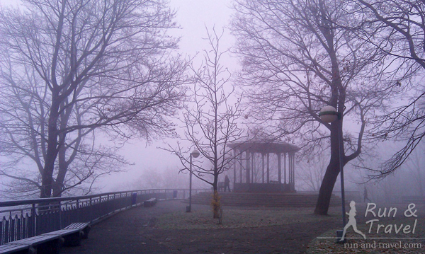 Туман, смотровая на верхней террасе