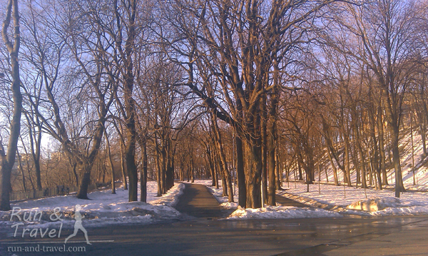 Владимирская горка в марте