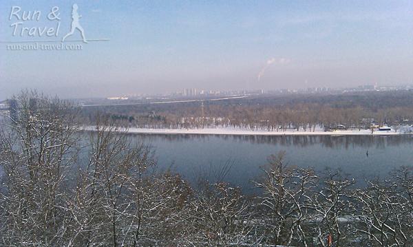 Декабрь, заснеженный Труханов и еще не замерзший Днепр
