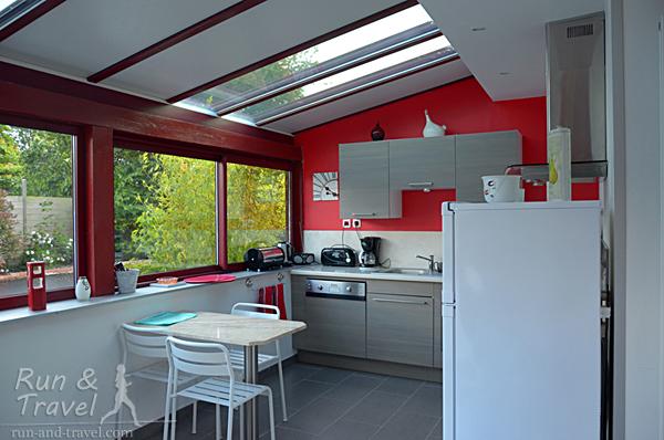 Кухня в нашем доме в бретонской деревне (Франция)
