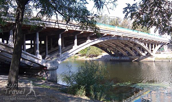 Почти что Венеция :) Один из русановских мостов