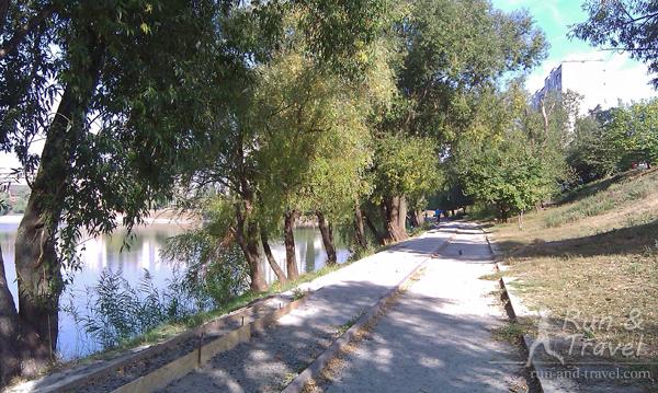 Дорожка вокруг озера Тельбин
