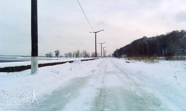 Так выглядела трасса за неделю до забега, серое - лед
