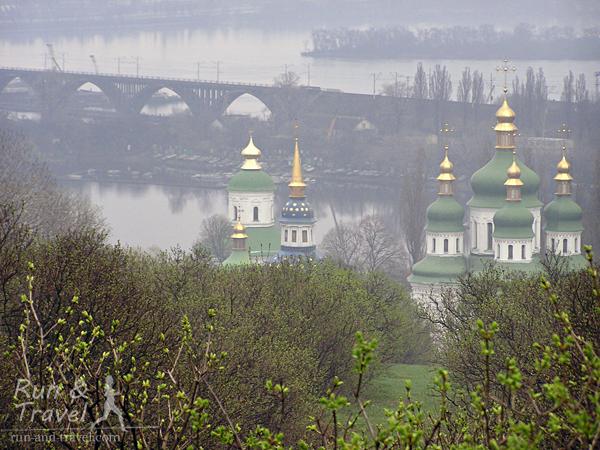 Видно Выдубицкий монастырь