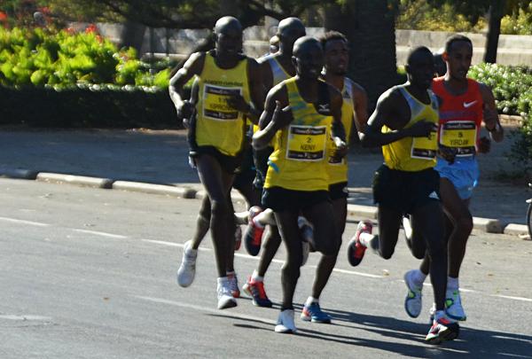 Даже кенийцы бегают по-разному :)