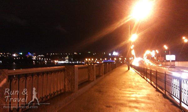 В темное время суток на Набережно-Рыбальской присутствует освещение
