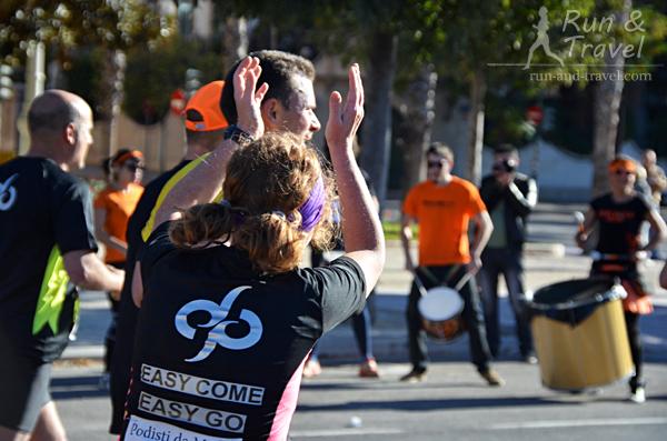 Испанцы умеют поддерживать: на марафоне в Валенсии