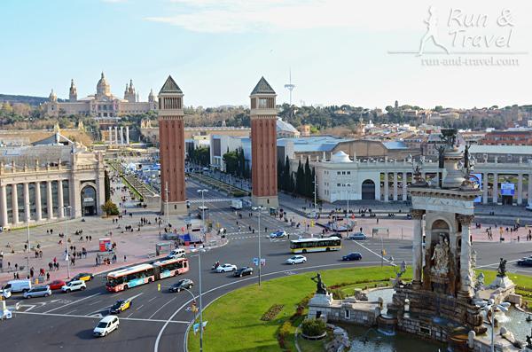 Старт-финишная зона расположена на Площади Испании, за Венецианскими Башнями