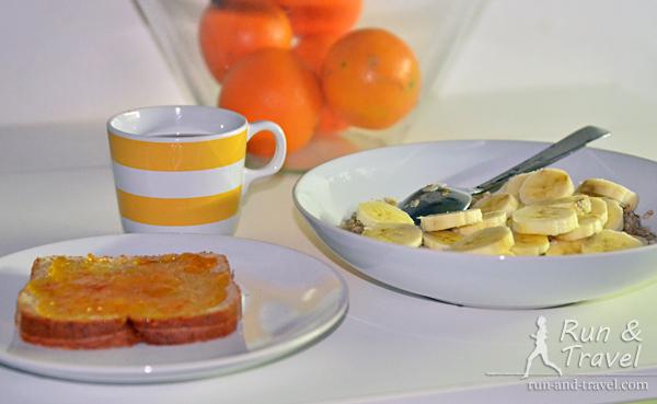 Традиционный предстартовый завтрак (кажется, бутерброд был лишним)