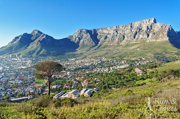 Редкий вид на Table Mountain – без тумана