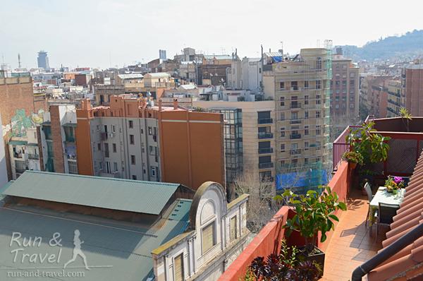 Виды с террасы на крыши Барселоны