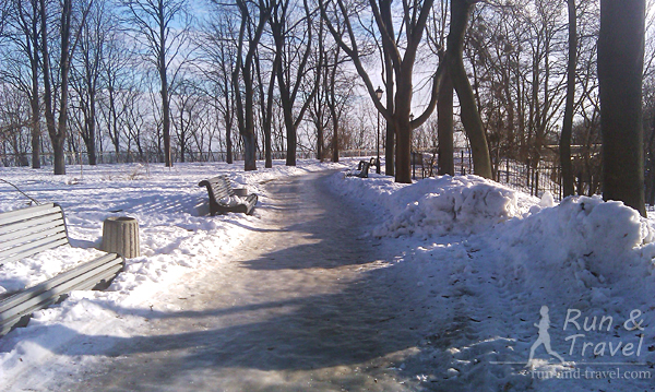 Аллеи Крещатого парка в январе