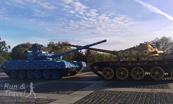 Добрые танки на территории Музея ВОВ