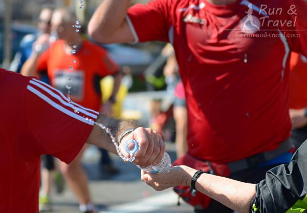 Сколько пить во время бега?