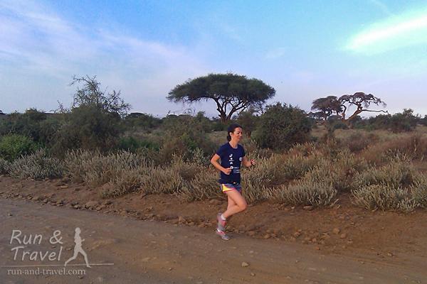 5 км саванны и масайских деревень, окрестности нацпарка Амбосели