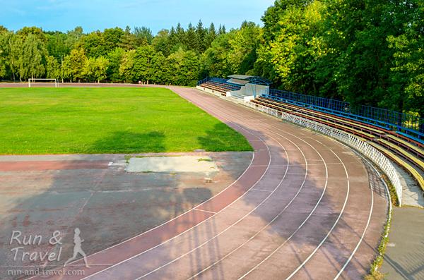 Стадион расположен в зеленой зоне