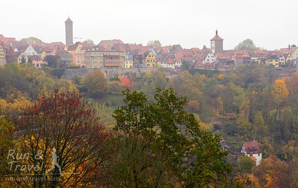 Виды на долину Таубера и городские стены