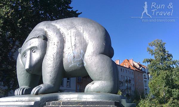 Медведь – символ Берлина, часто встречается в городе