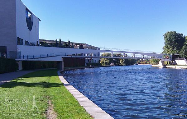 Еще дорожки вдоль реки