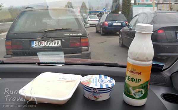Белковый перекус на границе: творог, кефир, сыр