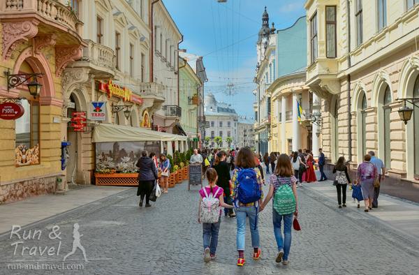 Улица Ольги Кобылянской – единственная пешеходная в Черновцах