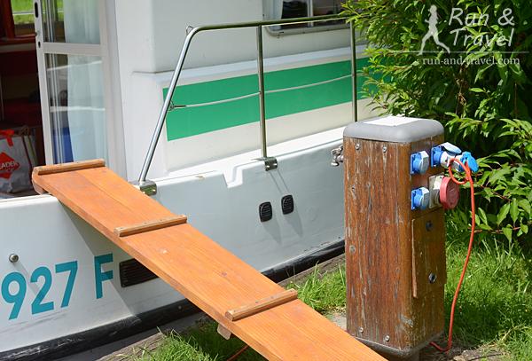 Подключение к воде и электричеству на стоянке