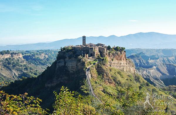Безлюдный (не считая туристов) средневековый Чивита ди Баньореджо