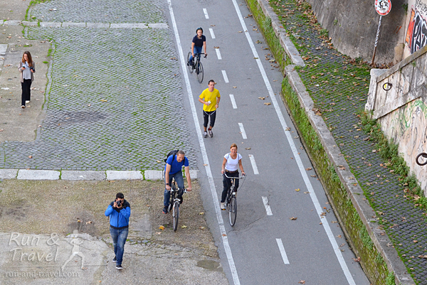 Велодорожка вдоль Тибра