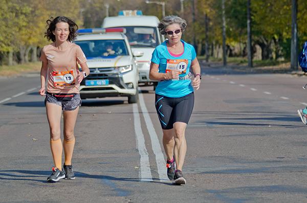 Как я готовилась к марафону, бегая на низком пульсе (+ отзыв о работе с Дежурным тренером из системы s10.run)
